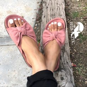 Vegan Suede Mauve Bow Footbed Slides